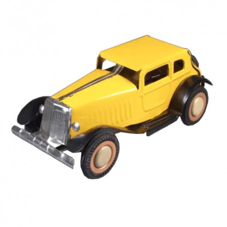 Oldtimer Automobile - yellow